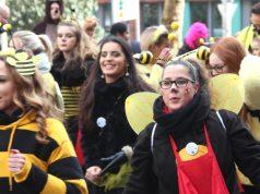 Viele Jecke kamen in kunterbunten Kostümen zum diesjährigen Rosenmontagszug in die Solinger Innenstadt. (Foto: © Bastian Glumm)
