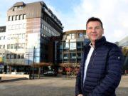 Unternehmer Sam Jordan besitzt das Signal Iduna-Haus und hat mit dieser Immobilie große Pläne. Gerne würde er beide Gebäude aufstocken und umnutzen. (Foto: © Bastian Glumm)