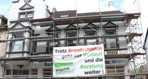 Ein Oper des Dachstuhlbrands an der Wilhelmstraße wurde die Verwaltung des Sanitätshauses Köppchen, die im zweiten Obergeschoss untergebracht war. (Foto: © Bastian Glumm)