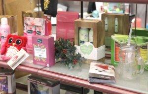 Auf zahlreiche Verwöhn- und Gesundheitsprodukte gibt es im Sanitätshaus Köppchen zu Weihnachten Prozente. (Foto: © Bastian Glumm)