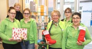 Das Team des Sanitätshaus Köppchen freut sich zum Last-Minute-Geschenkeshopping am Freitag auf viele Besucher. (Foto: © Bastian Glumm)