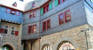 Auch das Grabentorhaus auf Schloss Burg wurde komplett saniert. (Foto: © Bastian Glumm)