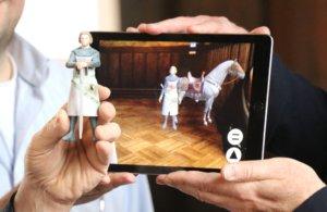 Der virtuelle Graf Adolf wurde durch einen 3D-Drucker geschickt und kam als plastische Figur wieder heraus. (Foto: © Bastian Glumm)