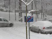 Nach dem starken Schneefall am Wochenende wird die Müllabfuhr in einigen Straßen aktuell noch behindert. (Archivfoto: © Bastian Glumm)