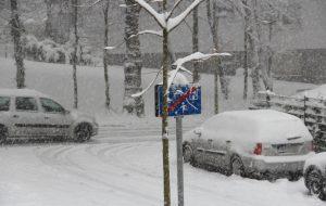 Ab Sonntagmittag schneite es in Solingen wieder ergiebig. Erst am späten Nachmittag ging der Schneefall in Regen über. (Foto: © Bastian Glumm)