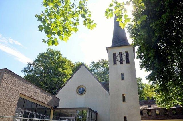 Die Christuskirche in Solingen-Aufderhöhe an der Opladener Straße. (Archivfoto: © Martina Hörle)