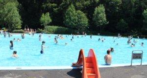 Das Freibad Ittertal in Solingen-Wald ist im Sommer ein gut besuchter Ort. (Archivfoto: © Bastian Glumm)