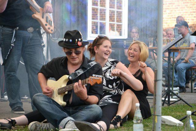 Am kommenden Wochenende steigt in Merscheid wieder das beliebte Sommerfest mit einigen musikalischen und sehr vielen kulinarischen Leckerbissen. (Foto: © Merscheider Männergesangsverein)