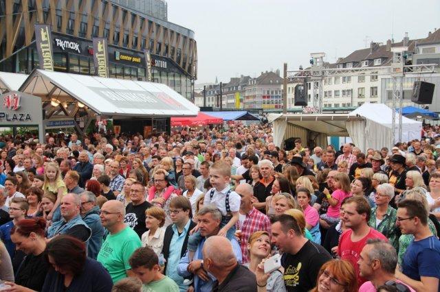 Solingen wächst weiter, es leben wieder mehr als 163.000 Menschen in der Klingenstadt. Das teilt die Stadtverwaltung mit. (Archivfoto: © Bastian Glumm)