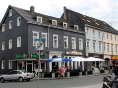 Die Stadt-Sparkasse Solingen wird am Neumarkt ihre neue Hauptstelle bauen. A, bisherigen Standort an der Kölner Straße soll Wohnraum entstehen. (Archivfoto: © Bastian Glumm)