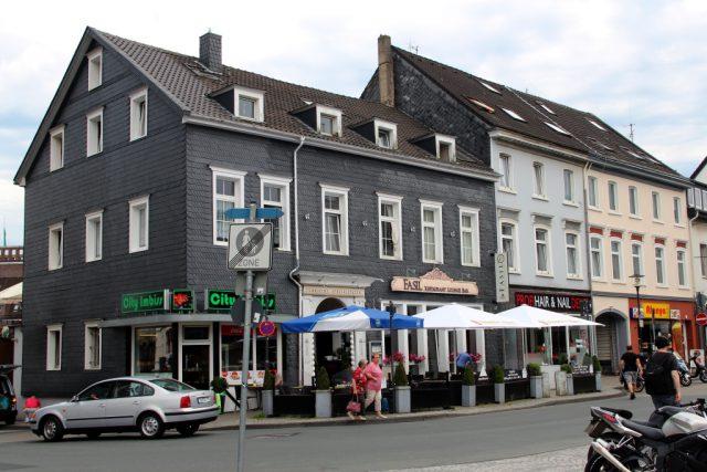 Zwei Gastronomen müssen am Neumarkt für den geplanten Neubau der Hauptstelle der Stadt-Sparkasse umziehen. Ein neue Standort wurde jetzt gefunden. (Foto: © Bastian Glumm)