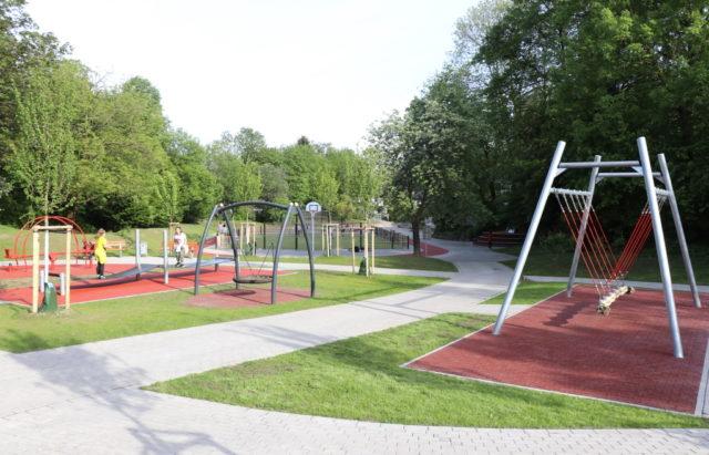 Der Spielplatz Agnesstraße in direkter Nachbarschaft zur Grundschule Klauberg wurde komplett neu gestaltet. (Foto: © Bastian Glumm)