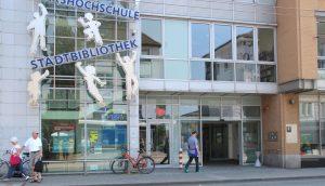 """Was ist """"deutsch""""? Um diese Frage geht es am Samstag, 7. Januar, 16 Uhr, im Philosophie-Café in der Stadtbibliothek, Mummstraße 10. (Archivfoto: © Bastian Glumm)"""
