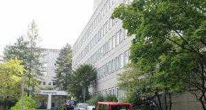Das Verwaltungsgebäude der Stadt Solingen an der Bonner- und der Langhansstraße in Ohligs. (Foto: © Bastian Glumm)