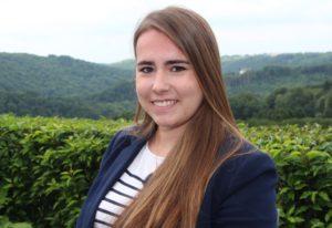 Seit Mitte Mai ist Sonja Nordmann im Marketingteam der Stadtverwaltung. Die 22-jährige Toruismuskauffrau ist Ansprechpartnerin für alles, was mit Fremdenverkehr in der Klingenstadt zu tun hat. (Foto: © B. Glumm)