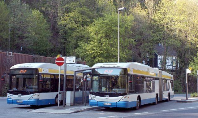 """Unter dem Motto """"Sie feiern – Wir fahren"""" bieten die Verkehrsbetriebe der Stadtwerke an den Feiertagen einen Sonderfahrplan an. (Archivfoto: T. Oelbermann)"""