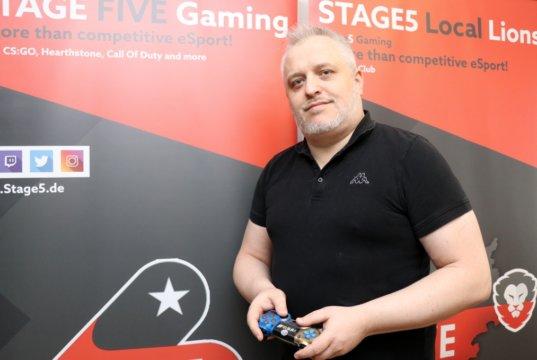 Bernd Unger gründete 2016 Stage5 Gaming und will in Solingen den professionellen eSport vorantreiben. (Foto: © Bastian Glumm)