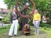 Lea Pistorius (li.) und Leonie Schubert von der Solinger Wirtschaftsförderung kümmern sich um das Stellenportal. (Foto: © Bastian Glumm)