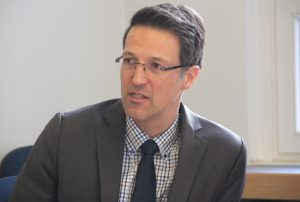 Michael Becker leitet das Technische Berufskolleg Solingen. (Foto: © Bastian Glumm)