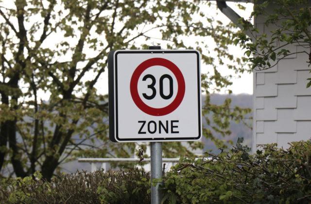 Auf dem Pfaffenberger Weg gilt Tempo 30. (Foto: © Bastian Glumm)