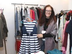 """Die Solingerin Angela Thiel eröffnete im Februar ihr Geschäft """"Thibie Secondhand"""" an der Schlagbaumer Straße. (Foto: © Bastian Glumm)"""
