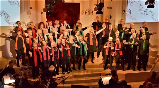 In diesem Jahr gibt der Gospelchor unisono statt vier sogar fünf Konzerte. Die Nachfrage ist riesengroß. Alle Konzerte sind ausverkauft. (Foto: © Martina Hörle)