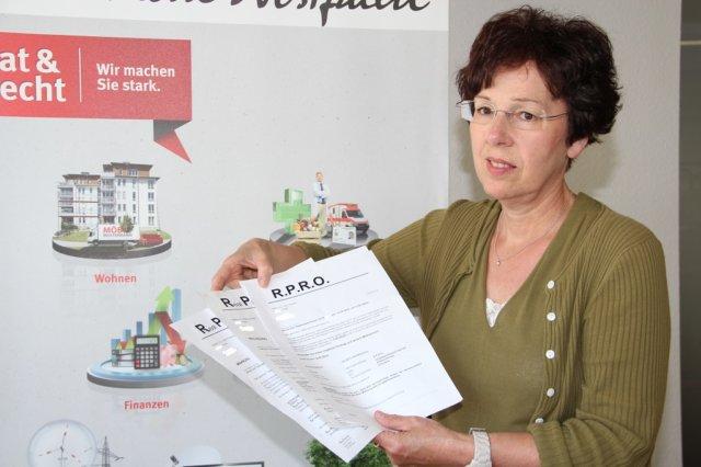 Dagmar Blum ist Beratungsstellenleiterin der Verbraucherzentrale in Solingen. (Archivfoto: © Bastian Glumm)