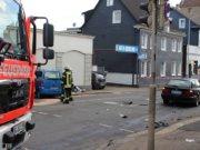 Auf der Katternberger Straße kam es am Sonntagabend zu einem schweren Verkehrsunfall mit zwei verletzten Personen. (Foto: © Das SolingenMagazin)