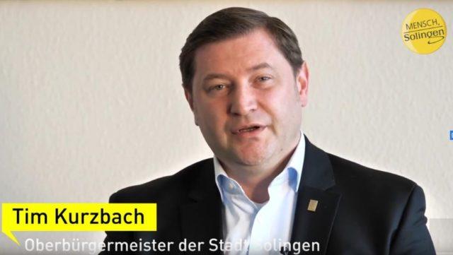 Coronavirus: Mit einer Videobotschaft wendet sich Oberbürgermeister Tim Kurzbach am Sonntag an die Solingerinnen und Solinger. (Screenshot: Stadt Solingen)