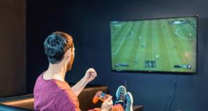 Mach deine Couch zum eSport-Thron – unter diesem Motto steht das FIFA 21-Online-Turnier der Volksbanken. (Foto: © Volksbank)