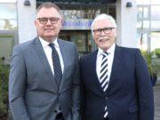 Die Volksbank-Vorstände Andreas Otto (li.) und Lutz Uwe Magney. (Foto: © Bastian Glumm)