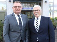Die Volksbank-Vorstände Andreas Otto (li.) und Lutz Uwe Magney sind mit dem Geschäftsjahr 2019 sehr zufrieden. (Foto: © Bastian Glumm)