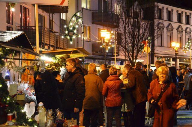 Der Walder Bürgerverein lädt von Freitag bis Sonntag wieder zum Weihnachtsdorf auf den Kirchplatz und in den
