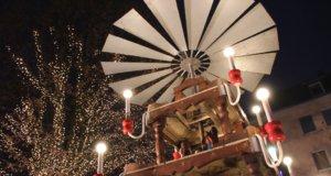 Am kommenden Samstag ist es wieder soweit: Auf dem Alten Markt wird um 17 Uhr die Weihnachtspyramide angeschoben und die Adventszeit eingeläutet. (Archivfoto: © Bastian Glumm)