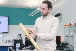 Markus Krawietz schwört auf den Werkstoff Bambus. Dieser ist leicht und natürlich. (Foto: © Bastian Glumm)