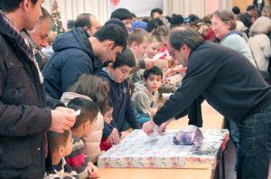 Beschert wurden 470 Kinder der Solinger Tafel. Die Wunschzettel-Aktion wurde in diesem Jahr erstmals von der Stadt Solingen unterstützt. (Foto: © Bastian Glumm)