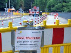 Am Dienstagmorgen wurde die Wupperbrücke zwischen Solingen und Leichlingen einer Belastungsprüfung unterzogen. Ergebnisse werden noch vort dem Ende der Sommerferien erwartet. (Foto: © Stadt Solingen)