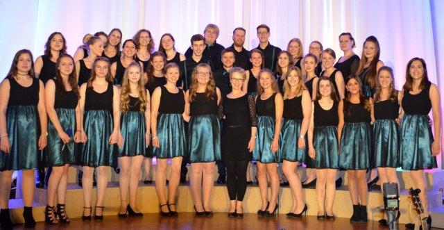 Der Jugendchor Young Voices lädt im Mai zu zwei Konzerten in die Evangelische Kirche Ketzberg ein, der Kartenvorverkauf startet diese Woche. (Foto: © Young Voices)
