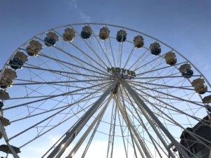 Auf dem Neumarkt drehte sich am Wochenende wieder ein majestätisches Riesenrad. (Foto: © Martina Hörle)