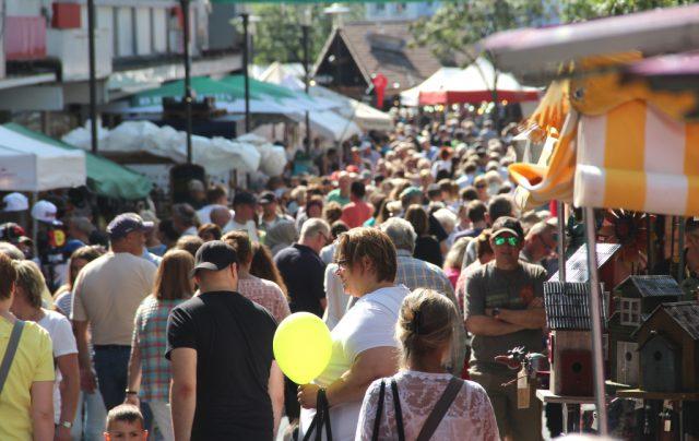 Die Konzession für den Zöppkesmarkt läuft aus: Die Stadt Solingen sucht per Ausschreibung einen Ausrichter für den kommenden Zeitraum von 2018 bis 2021. (Archivfoto: © B. Glumm)