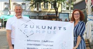 ISG-Geschäftsführerin Gloria Göllmann und Businesscoach Holger Häde laden ab Montag in den Ohligser Zukunfts-Campus ein. (Foto: © Bastian Glumm)